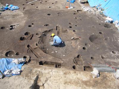 竪穴住居跡。約2m×2mと小形の住居跡です。