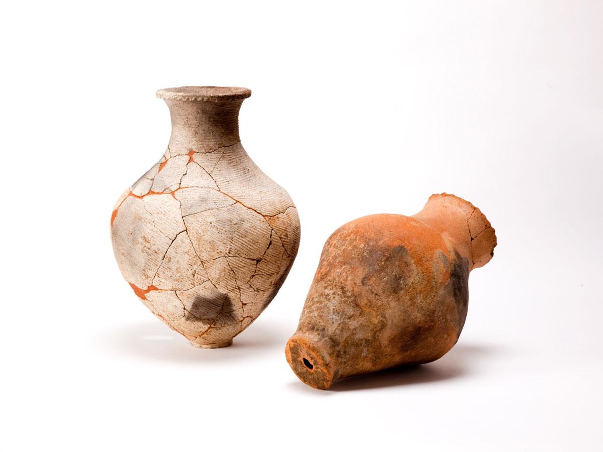 弥生時代前期末の土壙墓出土土器